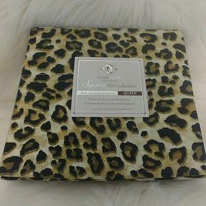 Clara Clark Deluxe Queen Leopard Sheet Set